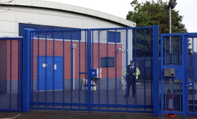 Gözaltındaki şüpheli, İngiliz polisini öldürdü
