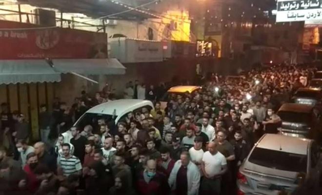 Filistin'in farklı kentlerinde Gazze'ye destek yürüyüşleri yapılıyor