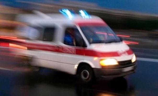 Lastiğe çarpan minibüs devrildi: 12 yaralı