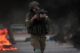 İşgalciler Batı Şeria`da 5 Filistinliyi yaraladı