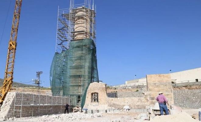 Batman'ın 612 yıllık minaresi yeni yerinde yükseliyor