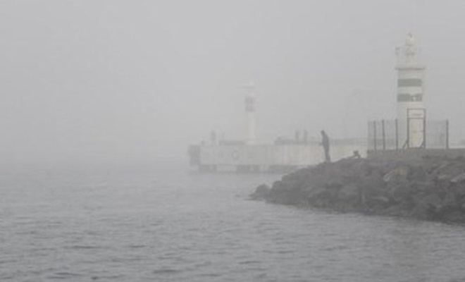 Çanakkale Boğazı`nda ulaşıma sis engeli