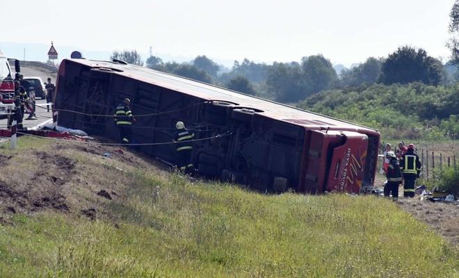 Hırvatistan'da otobüs şarampole yuvarlandı: 10 ölü 30 yaralı