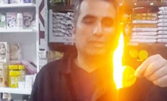 Bakkal cipsi ateşe verdi: Vallahi istemeyerek satıyorum