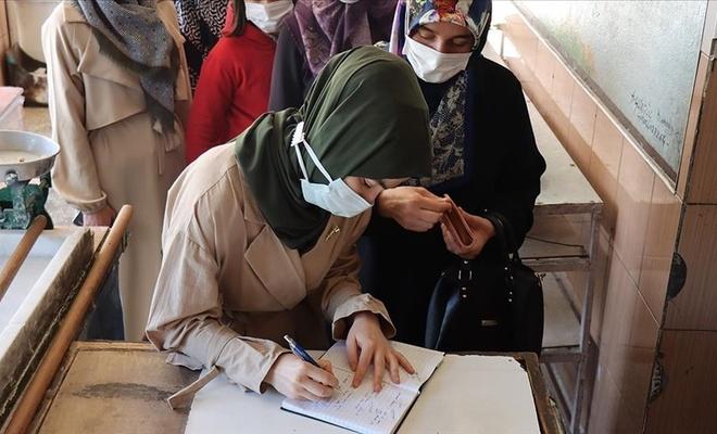 Gönüllü kadınlar, o geleneğimizle 500 bin lira borç kapattı!