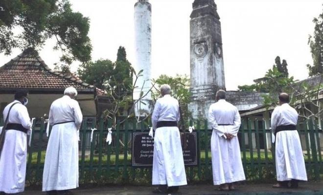 Sri Lanka'da koronavirüsten ölenlerin cenazelerinin yakılması zorunluluğu kaldırıldı