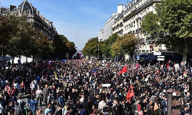 Fransa`da grev dalgası başlıyor