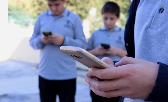 Ailelerde en pahalı cep telefonunu kim kullanıyor?