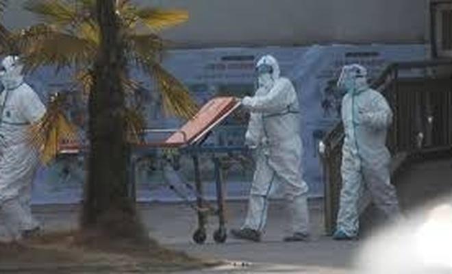 Kanada'da son bir haftada 281 kişi salgından hayatını kaybetti
