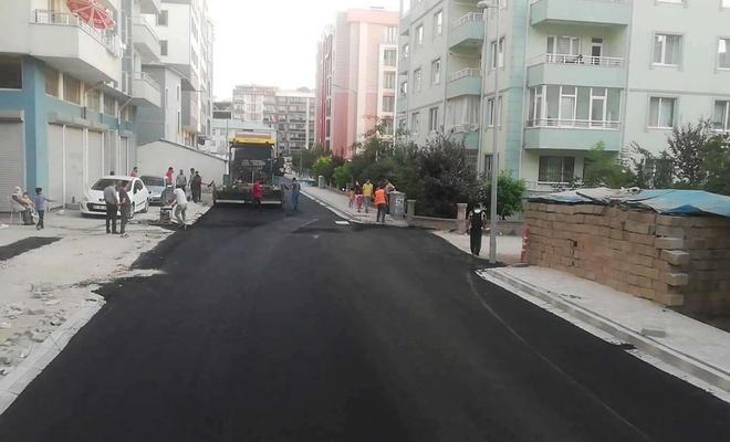 İpekyolu Belediyesi ilçede sıcak asfalt serimine başladı