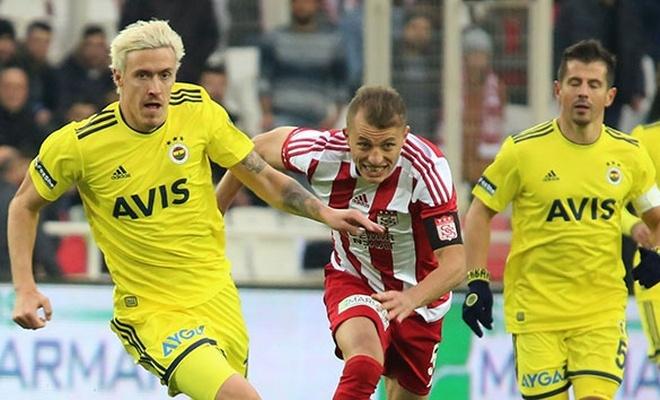 Sivasspor, Fenerbahçe' yi 3 golle devirdi