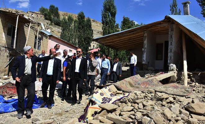 HÜDA PAR Genel Başkan Vekili Sağlam Van'da selde etkilenen vatandaşları ziyaret etti