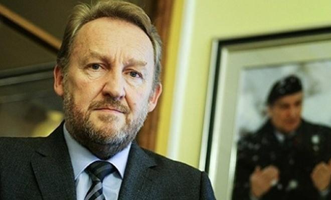 Nobel ödülü verilen Handke'ye bir tepki de İzzetbegoviç'ten