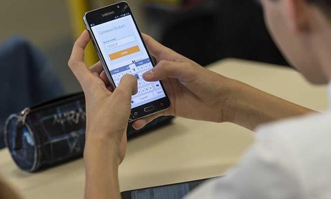 Telefon öğrenci başarısını nasıl etkiliyor?
