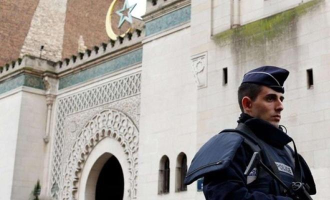 Fransız hükümetinin cami düşmanlığı devam ediyor