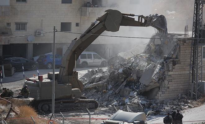 Terörist israil Doğu Kudüs'te yıkıma başladı!