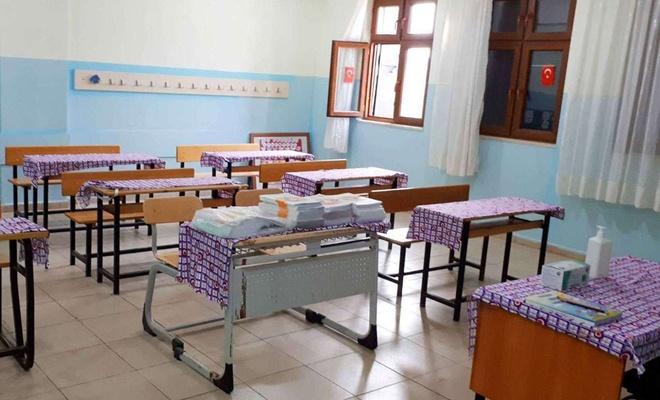 Karabük'te Covid-19 vakası görülen okulda eğitime 10 gün ara verildi
