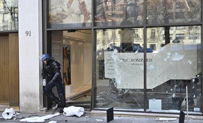 Sarı Yelekliler'den Fransa'ya 200 milyon euroluk zarar