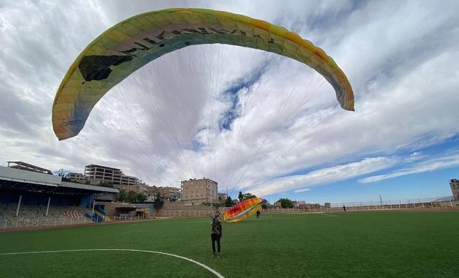 Mardin'de yamaç paraşütü eğitimleri sürüyor