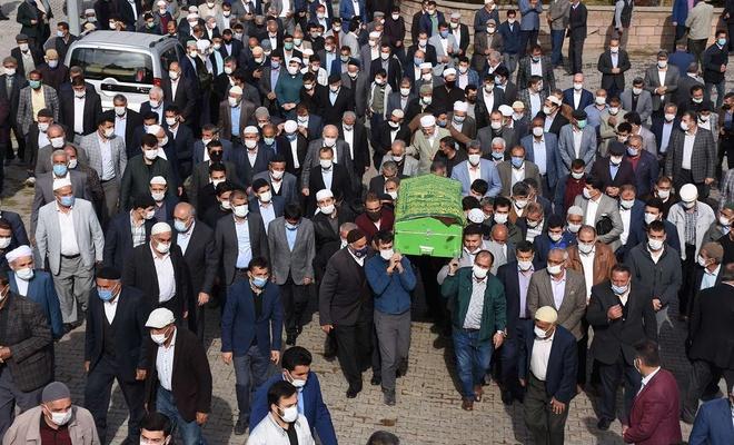 Vefat eden Eski Muş Milletvekili Şeyh Mehmet Emin Seydagil defnedildi