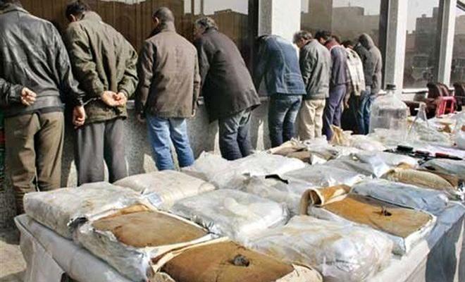 İranlı aileler uyuşturucunun pençesinde!