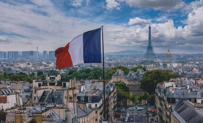 Fransa'da can kaybı 72 bini geçti
