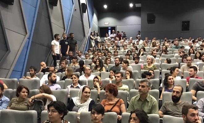 HDP'li Belediyenin ilk İşi  Din'le Uğraşmak: Saklı Haç belgeselinin galası yapıldı