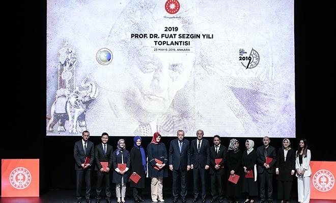 """Erdoğan: """"Türkiye bilim insanları için cazibe merkezi olacak"""""""