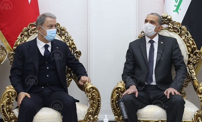 Milli Savunma Bakanı Akar, Bağdat'ta El Ganimi ile görüştü