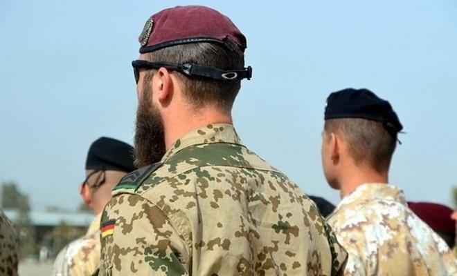 Almanya'da 550 askere soruşturma