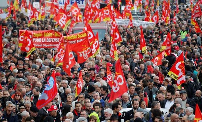 الإضراب العام يشل الحياة في فرنسا