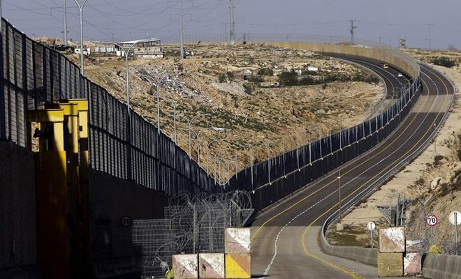 Terörist israil'den tünel saldırılarına çelik duvar önlemi!