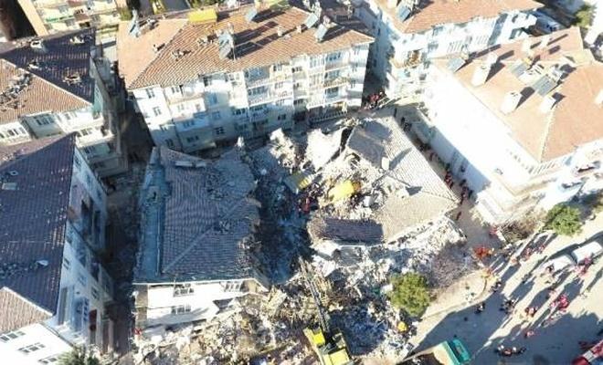 39 kişi kurtarıldı, enkaz altında kalanlar var