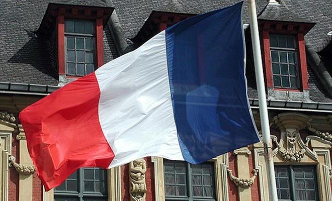 Fransa'da başörtülü kadınlara ırkçı müdahale