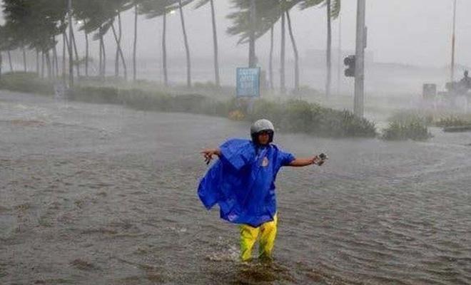 Filipinler'de tayfun alarmı: 100 bin kişi tahliye edildi