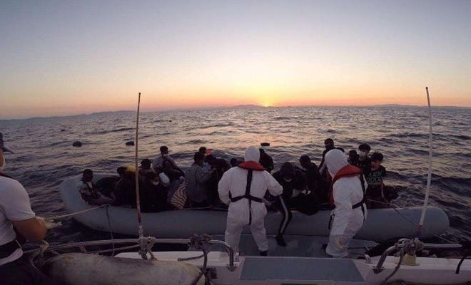 Muğla açıklarında 14 düzensiz göçmen kurtarıldı