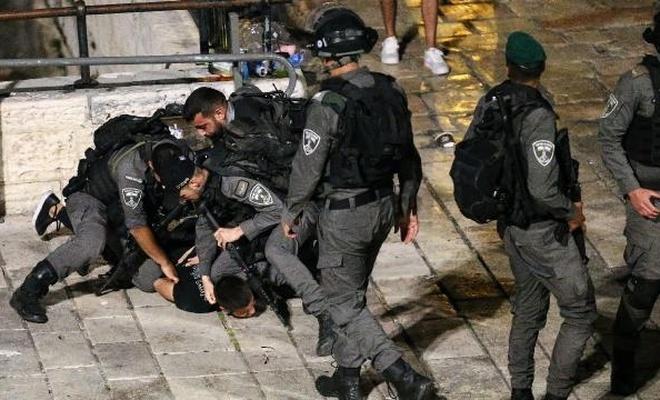 Rejim polisi cemaate saldırdı
