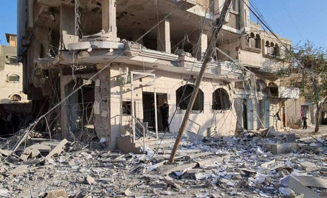 Siyonist işgal rejiminin saldırıları sonucu Gazze'de 107 bin Filistinli evinden oldu