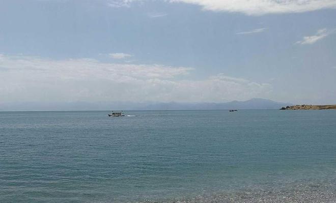 Van Gölü'nde batan tekne ile ilgili 17 kişi hakkında yakalama kararı çıkarıldı