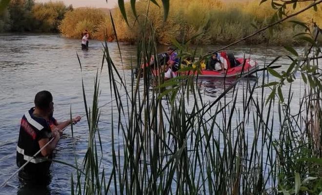 Murat Nehri'nde mahsur kalan 30 kişi kurtarıldı