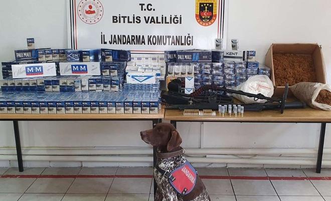 Bitlis'te gümrük kaçağı sigara ve ruhsatsız silah ele geçirildi
