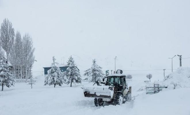 Bitlis`te 220 köy yolu ulaşıma açıldı