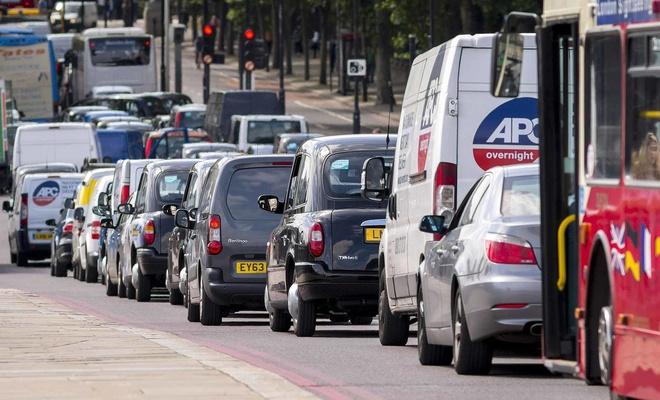 İngiltere dizel ve benzinli otomobillerin satışını durdurmayı planlıyor
