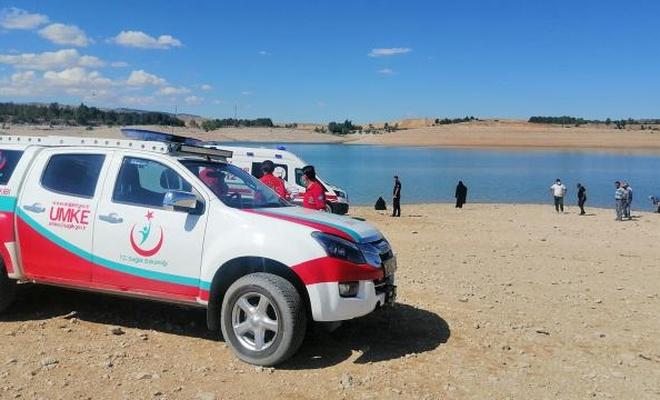 Sarımsaklı Barajı'na giren 3 kişi kayboldu
