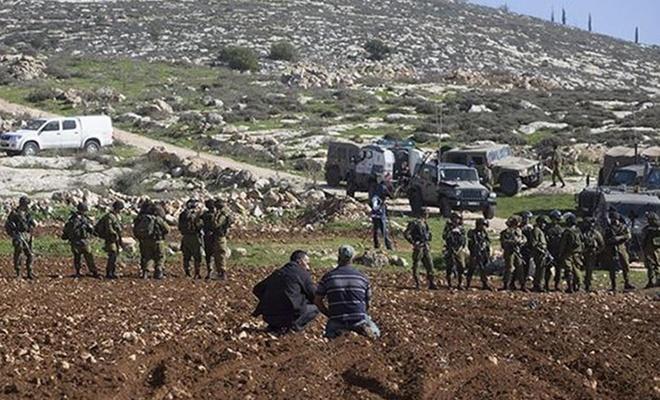 عصابات الاحتلال تستولي على أراضٍ شرق رام الله