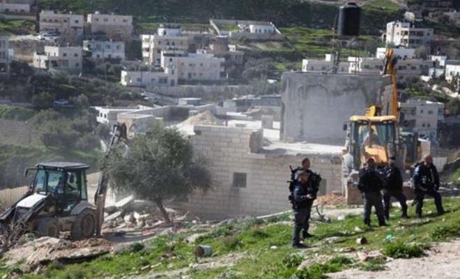 Siyonist işgalciler Filistinlilere ait araziye el koymaya çalışıyor