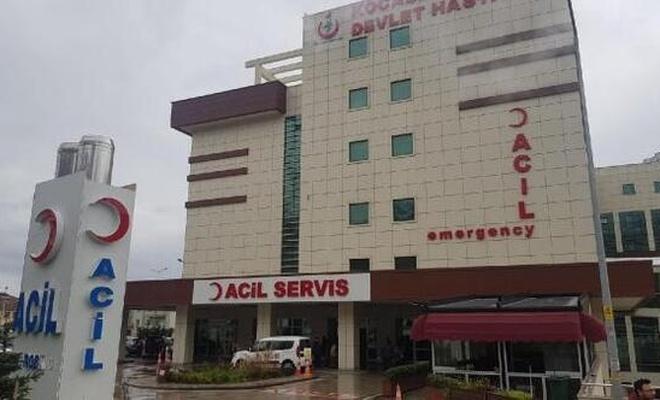 Kocaeli'de 2 kişinin yaralandığı trafik kazası güvenlik kamerasında
