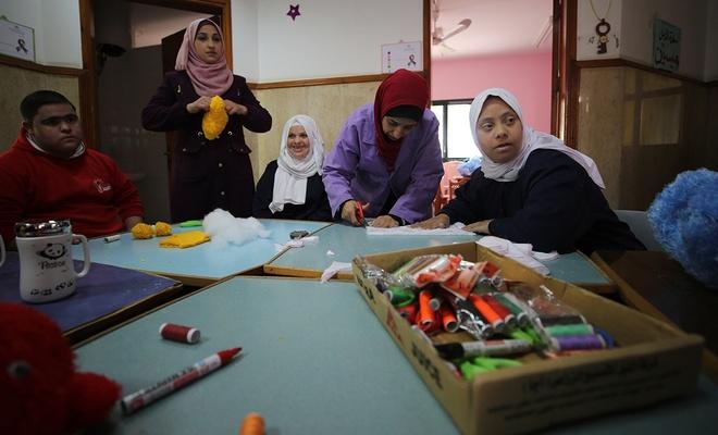 Gazzeli gençler, girişimleriyle down sendromluları topluma kazandırıyorlar