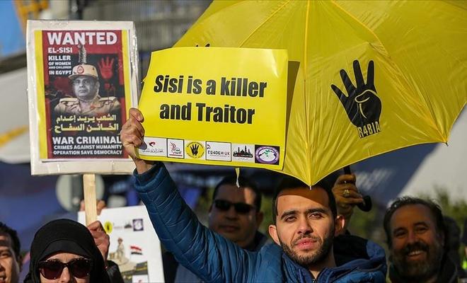 Sisi Londra'da protesto edildi