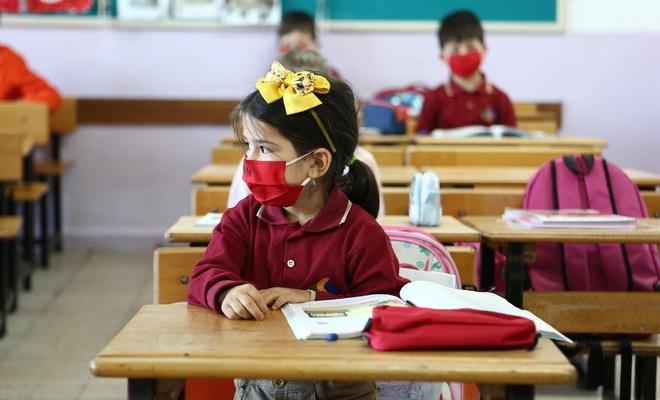 Sağlık Bakanı: Okullardaki Kovid vakaları artıyor